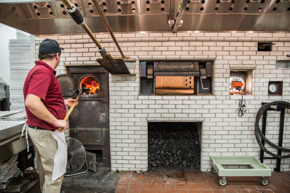frank pepe is eyeing a second massachusetts pizzeria in