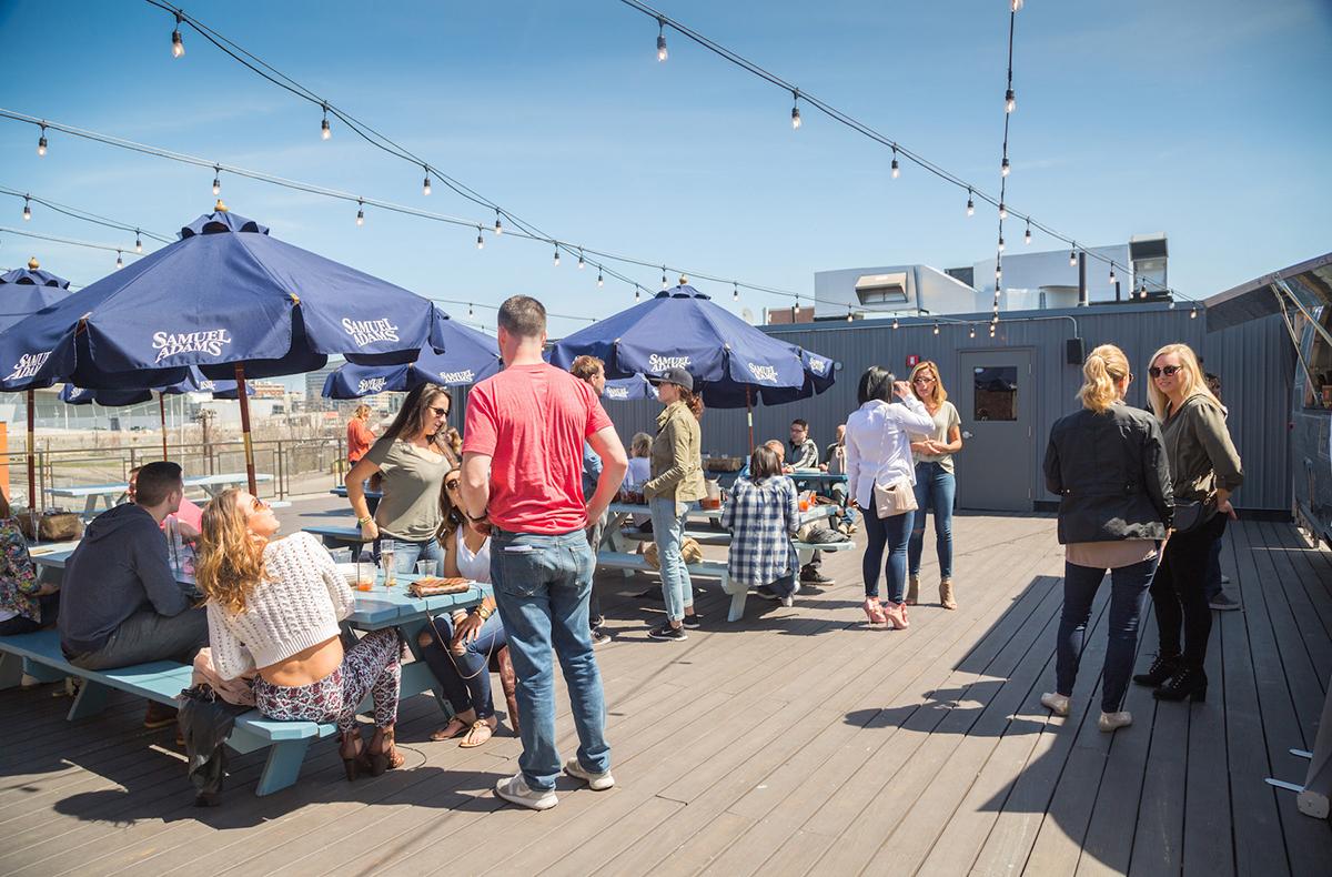 Coppersmith-outdoor-dining-patio-deck-al-fresco