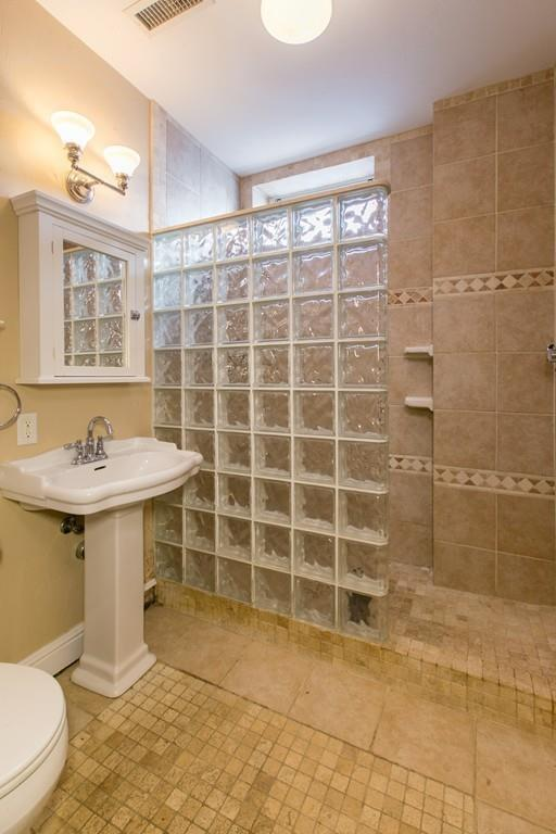 Photo courtesy of Thalia Tringo & Associates Real Estate, Inc.