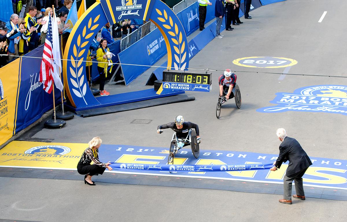Boston Marathon 2017 winner marcel hug mens wheelchair
