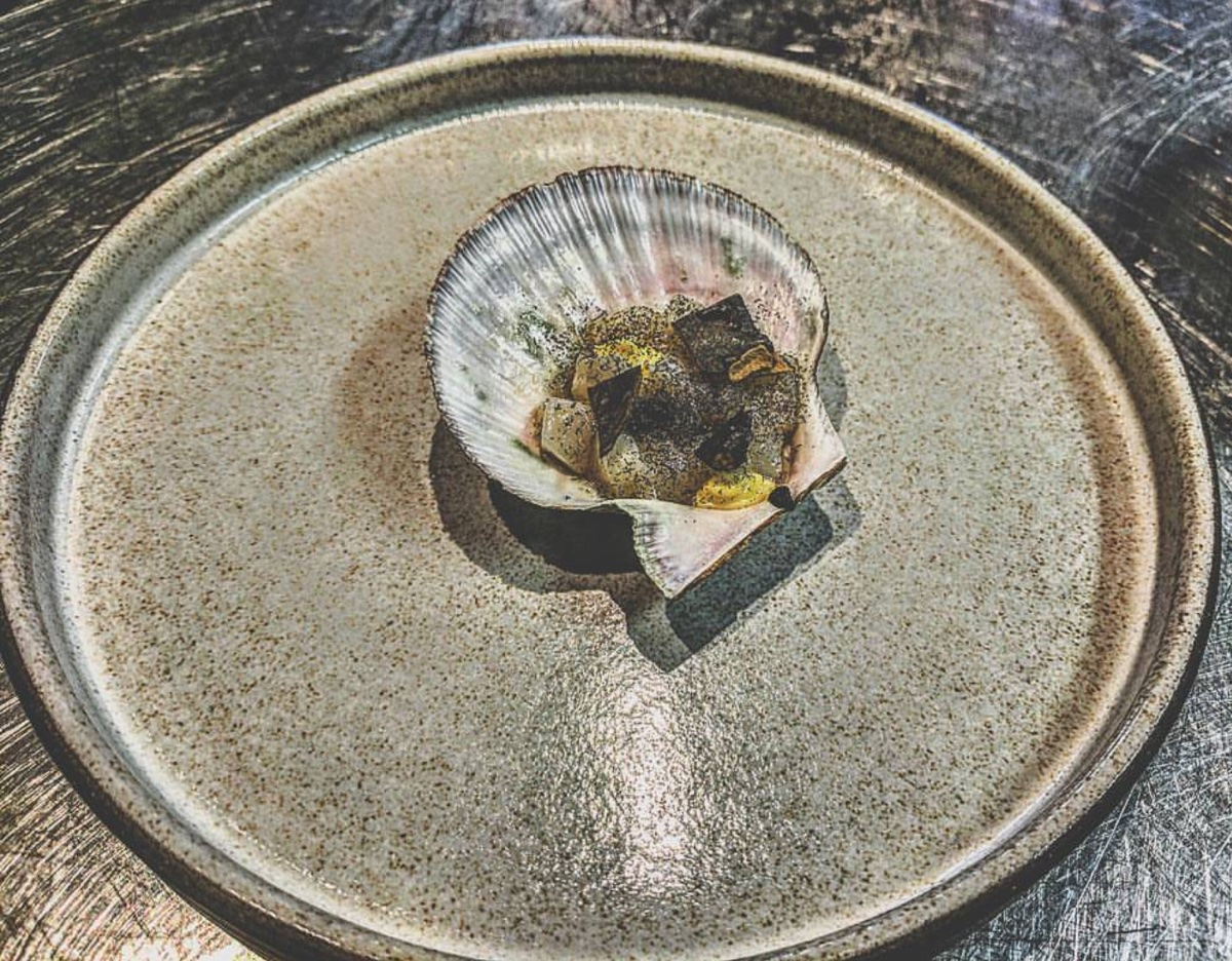 The Buffalo Jump raw bay scallops, sea truffle aioli, puffed kombu