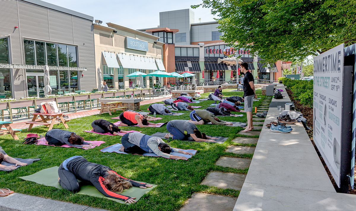 Yoga at the Street