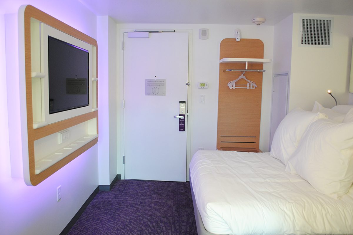 Here S A First Look Inside The Tiny Rooms At Yotel Boston
