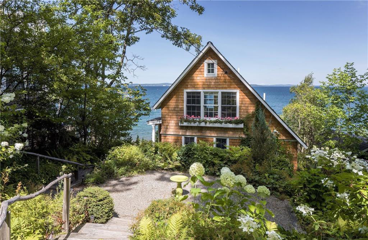 on the market a dreamy waterfront dwelling in maine rh bostonmagazine com waterfront houses for rent in maine waterfront cabin for sale in maine