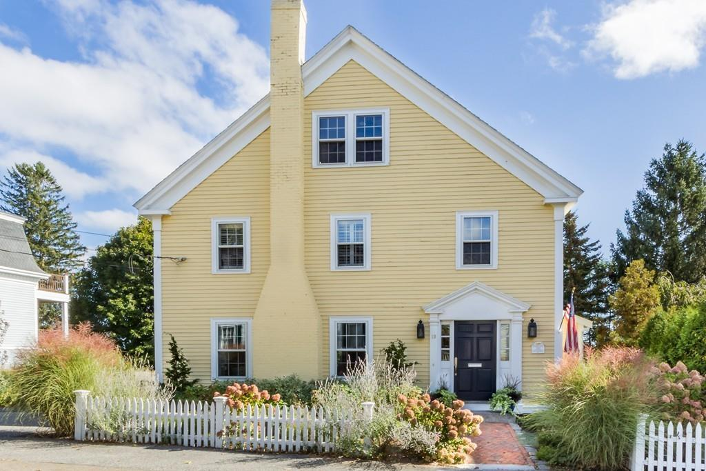 five cute yellow houses in the suburbs to see this weekend