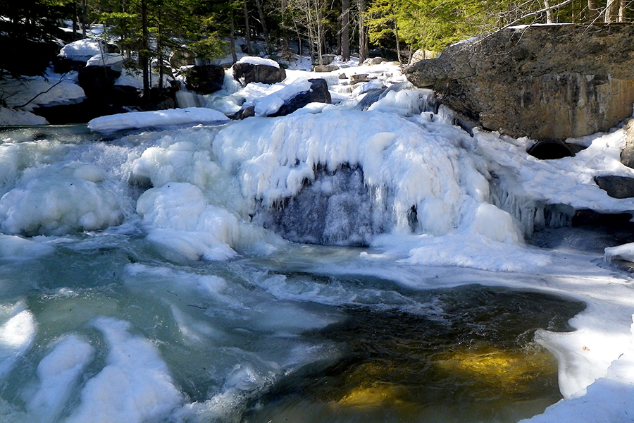 Five New England Hikes To Try This Winter