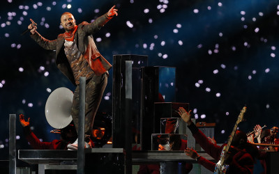 Justin Timberlake dances on state during the Super Bowl halftime show
