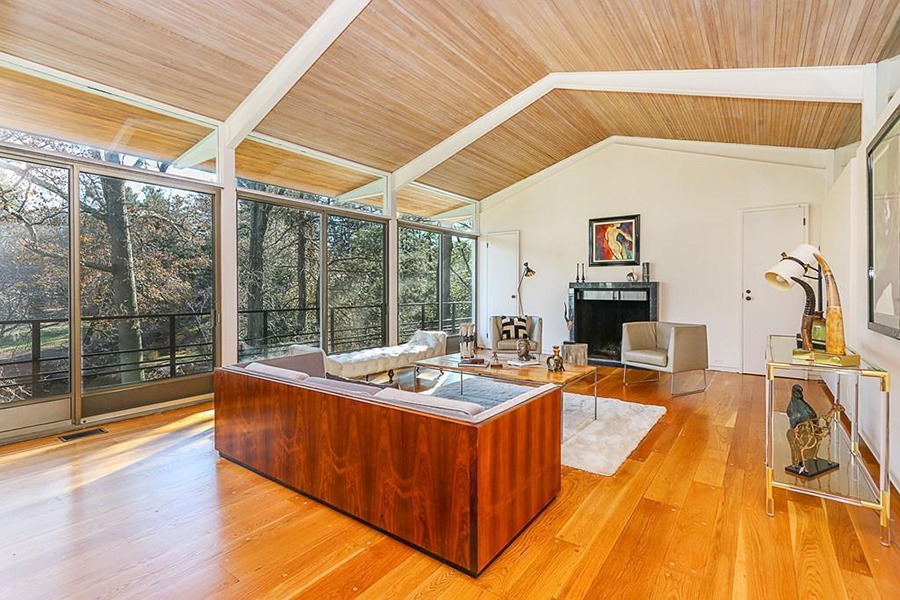 On the Market: A Midcentury Modern Home with a Greenhouse – Boston ...