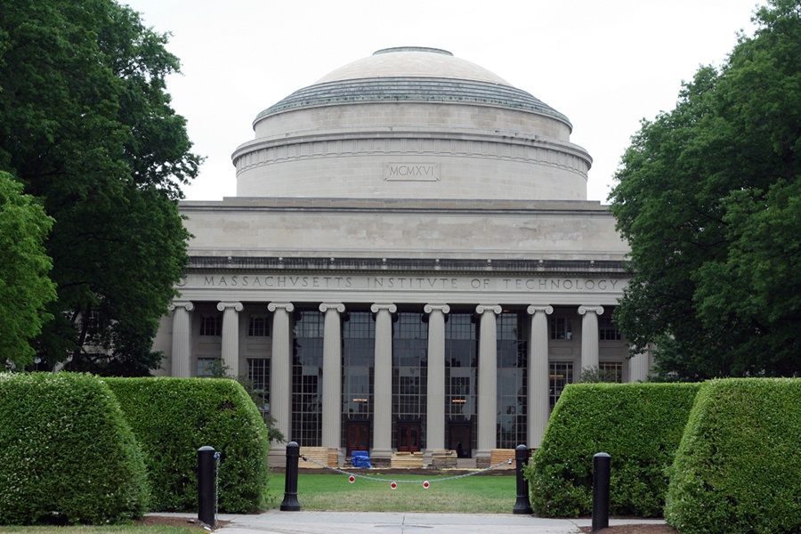 Students Cover MIT Dome With Captain America's Shield
