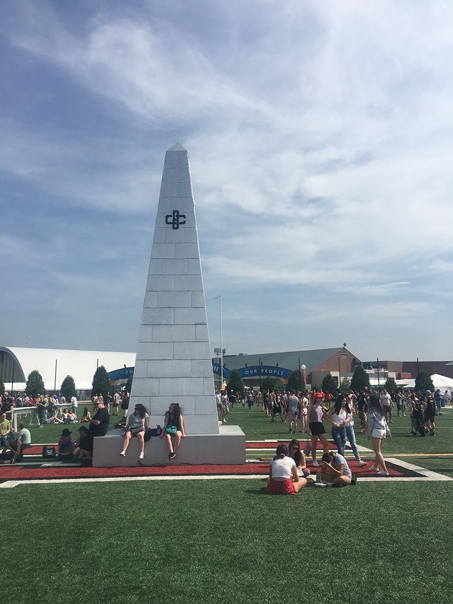 A Bunker Hill-esque obelisk with a Boston Calling logo