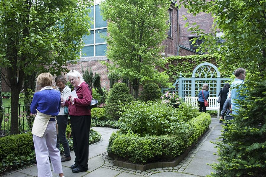 photo by madeline bilis beacon hills magnificent urban gardens exist hidden - Hidden Garden