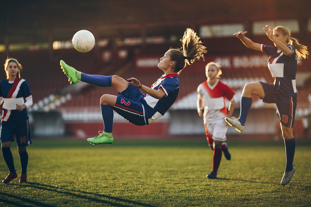 Girls playing sports — pic 3