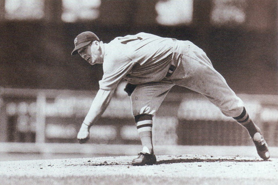 Lefty Grove throws a pitch