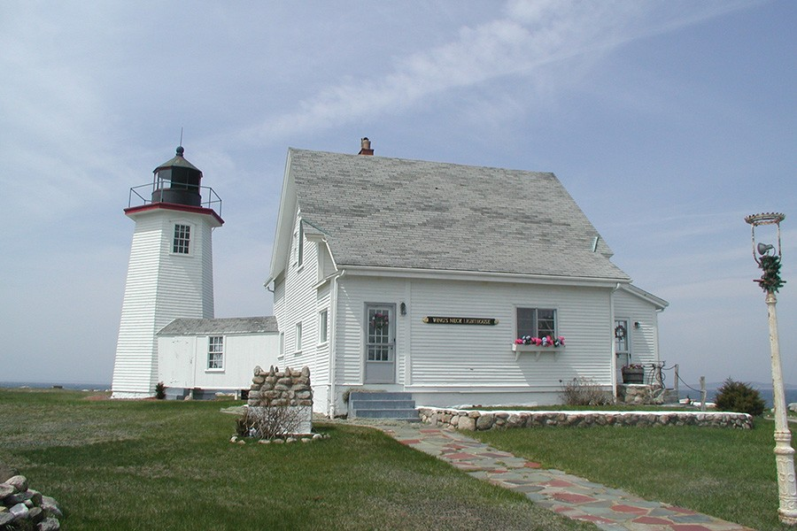 Terrific Six New England Lighthouses You Can Stay The Night In Download Free Architecture Designs Scobabritishbridgeorg