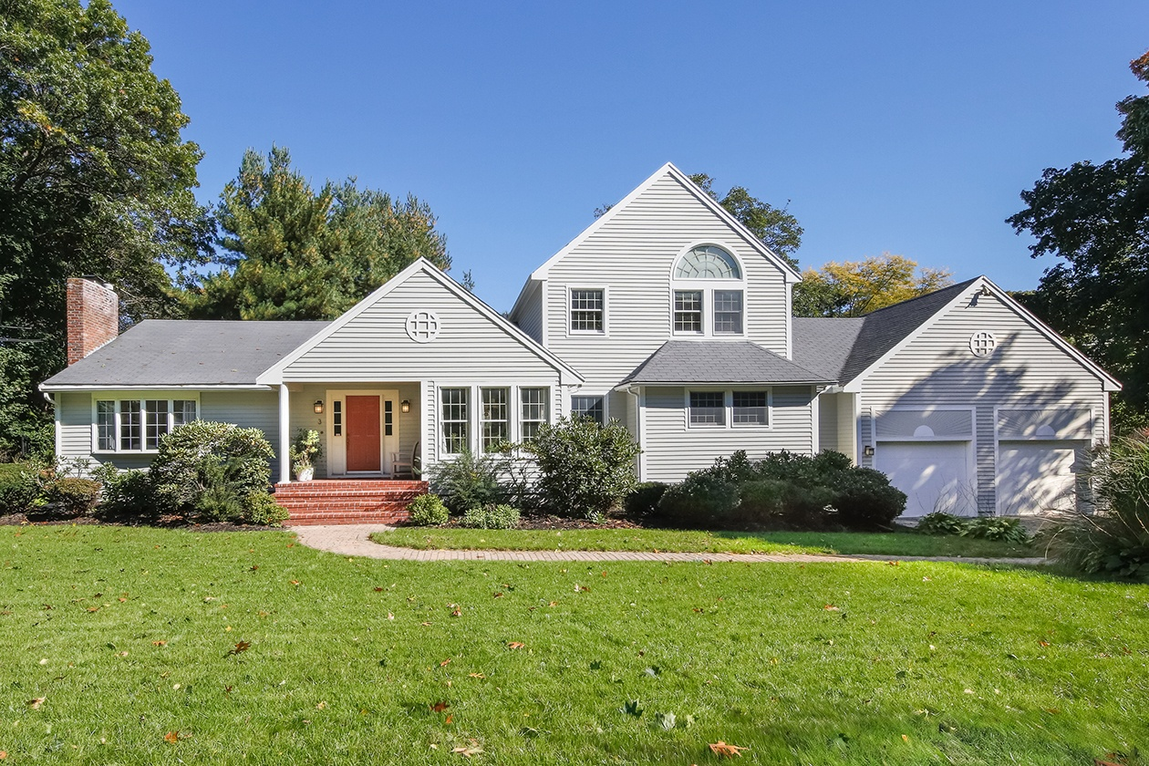Home for the Holidays: 6 Houses for Sale This Season