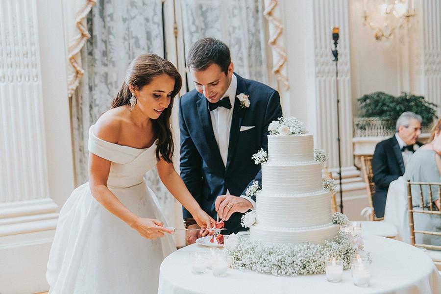 cake at Rosecliff wedding
