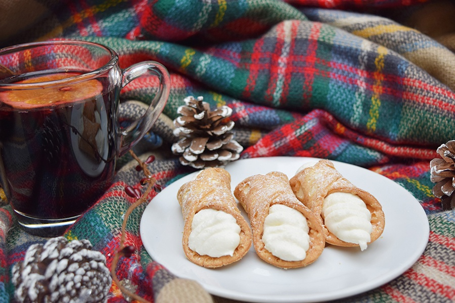 Cannoli and vin brulé are on the Après Ski menu at Eataly Boston every Thursday this winter