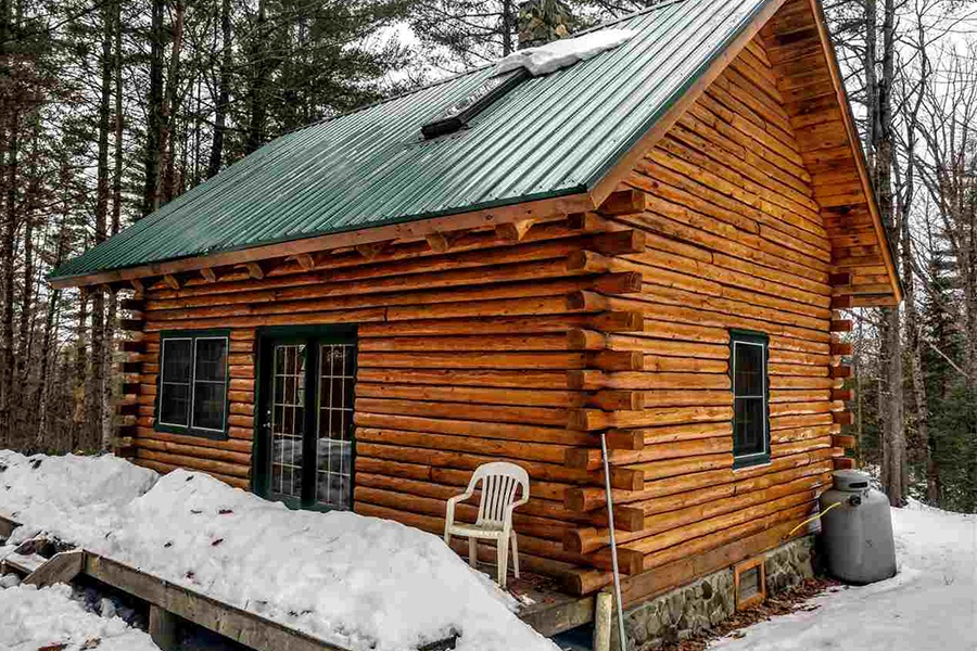 Five Adorable New England Log Cabins For Less Than 200 000