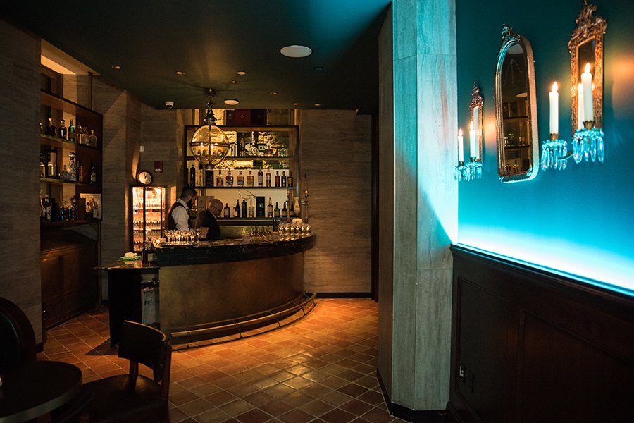 Fenix is a high-end speakeasy located inside Nahita restaurant.
