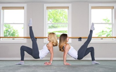 Women at Forme Barre