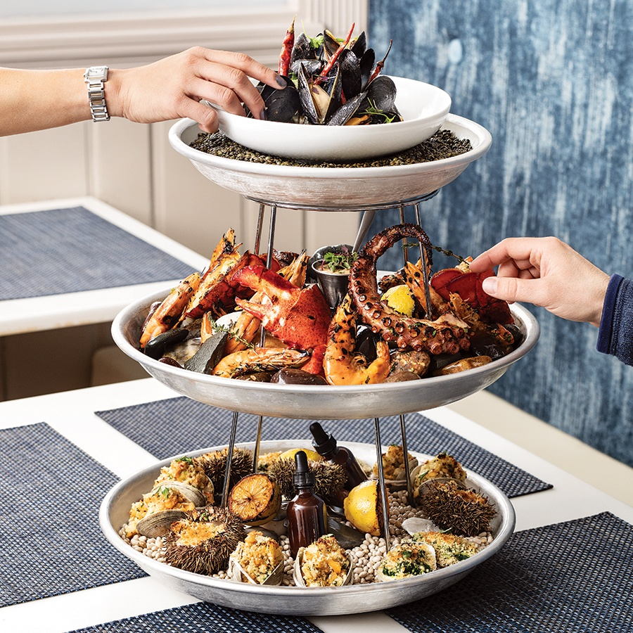 hot seafood tower at Il Molo