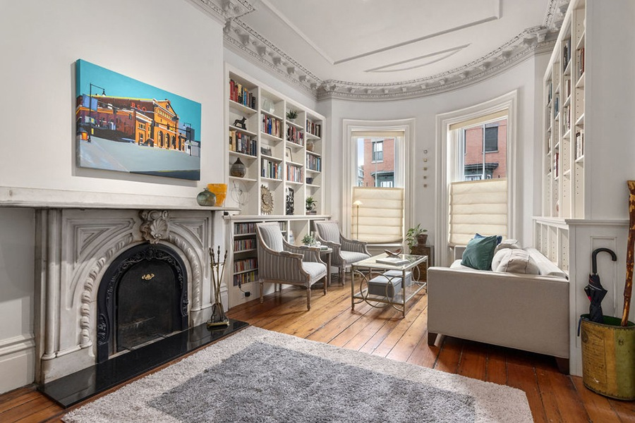 south end living room