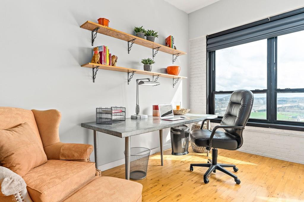 desk leather district