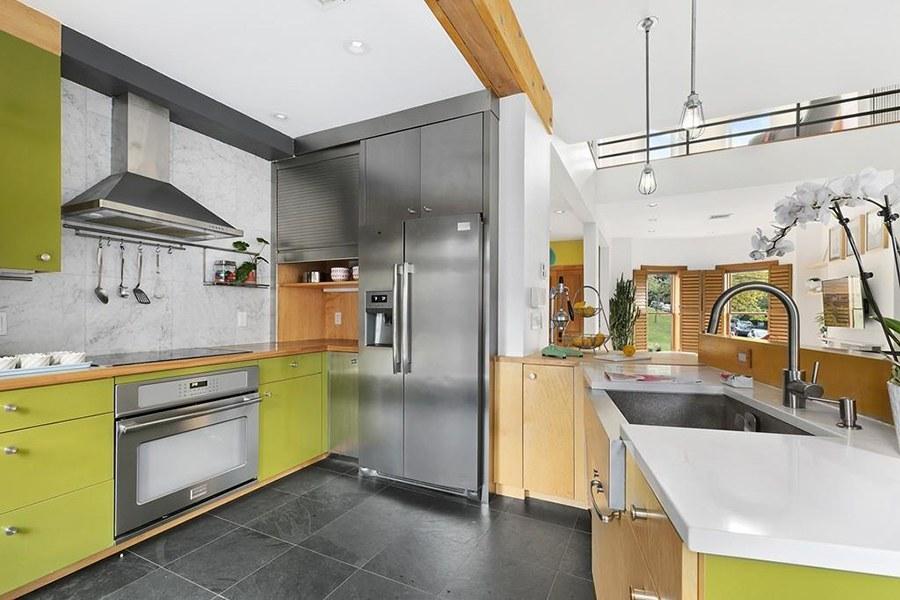 roxbury brownstone kitchen
