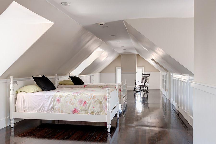 loring estate bedroom