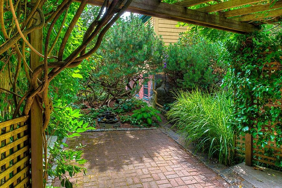 marblehead backyard patio