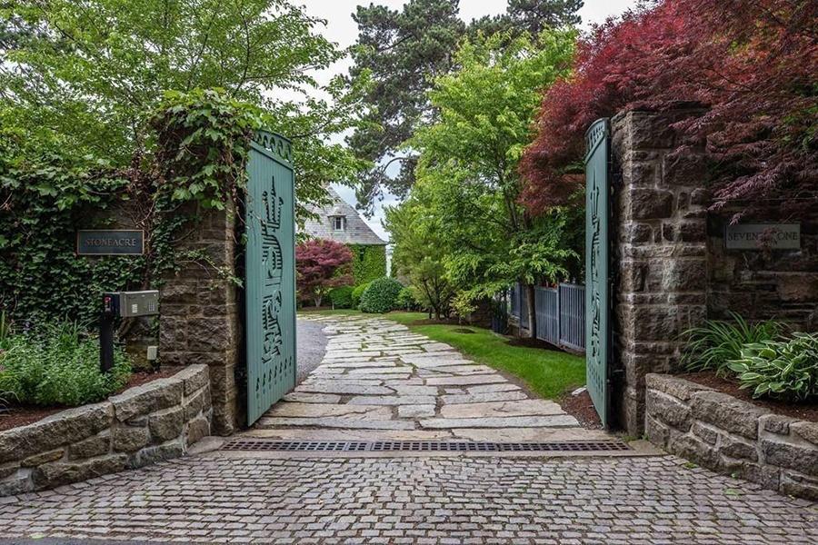 gloucester estate gated entrance
