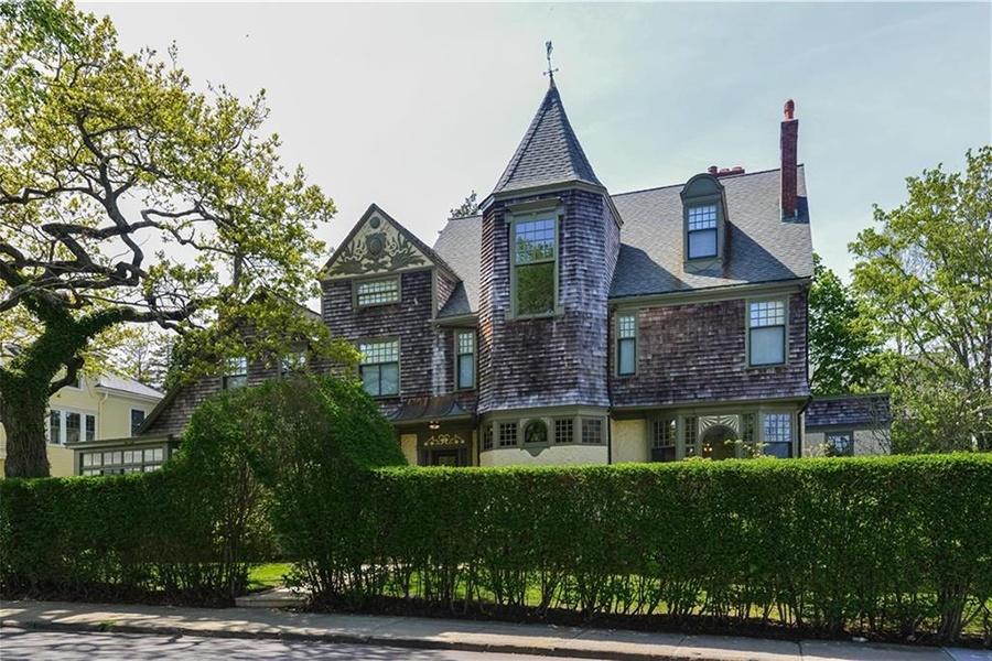Newport Queen Anne mansion