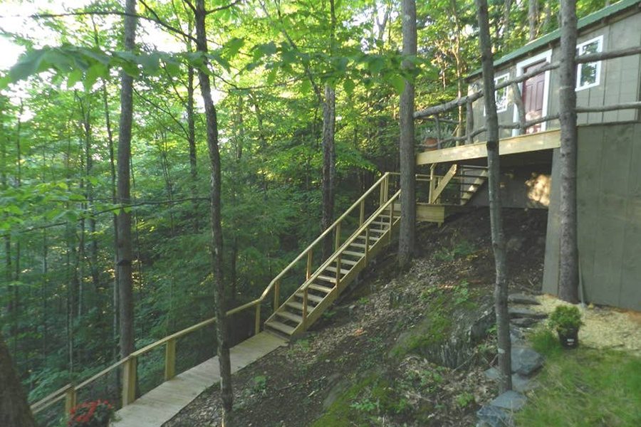 Vermont treehouse airbnb