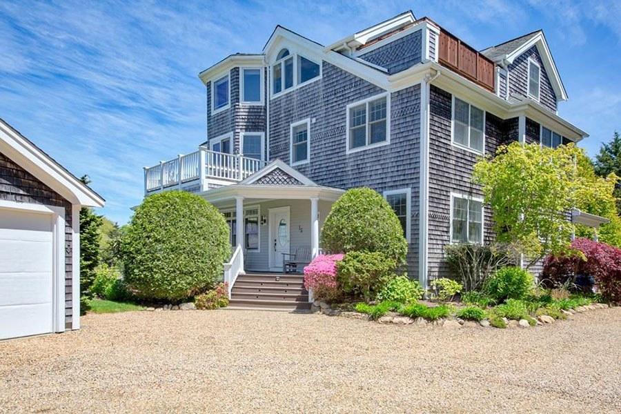 martha's vineyard harbor home