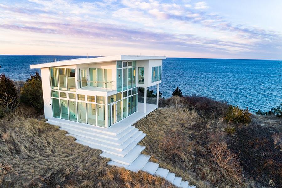 Wellfleet, Cape Cod glass house by the beach