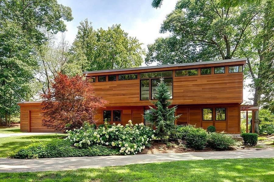 Zen home on Dudley Pond in Wayland