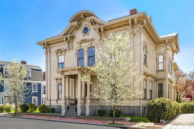Putnam-Balch House/Greymoor mansion in Salem