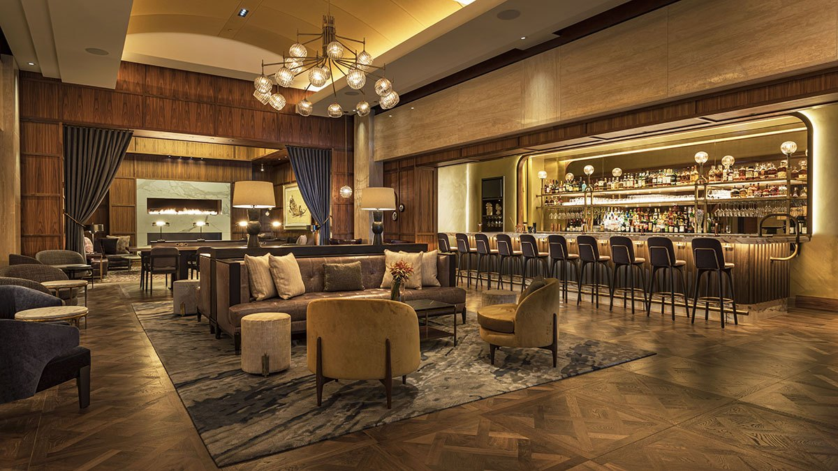 A brighter, warmer, more luxurious Avery Bar is back open at Boston's Theater District Ritz-Carlton.