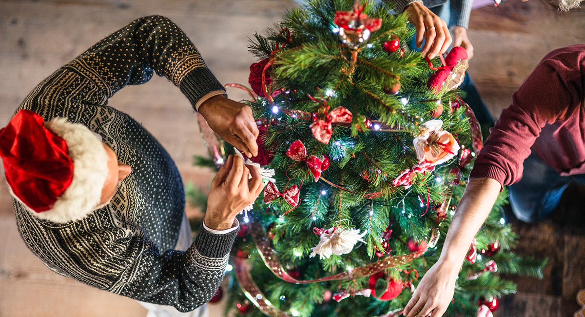 10 Tips From Boston Experts To Make Your Christmas Tree Sparkle