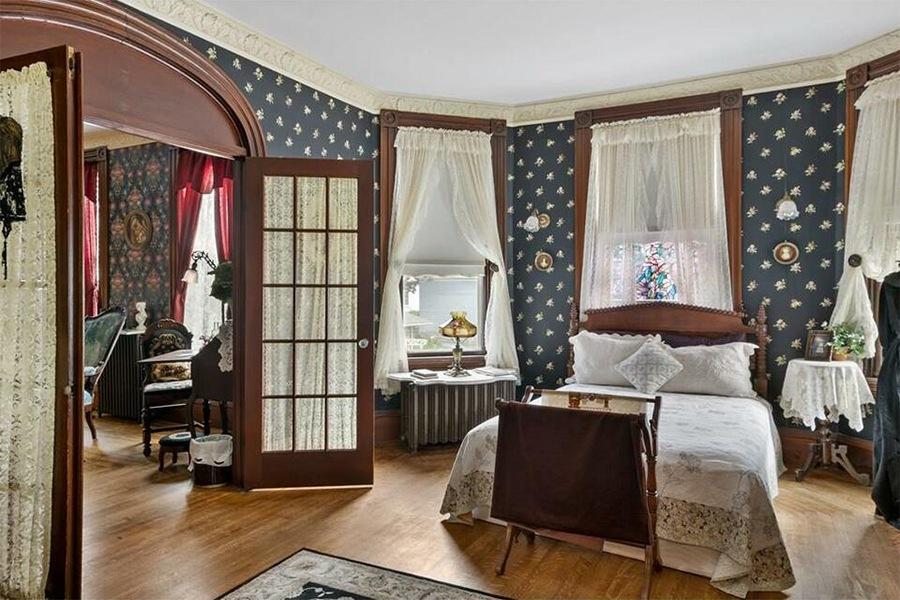 lizzie borden house bedroom