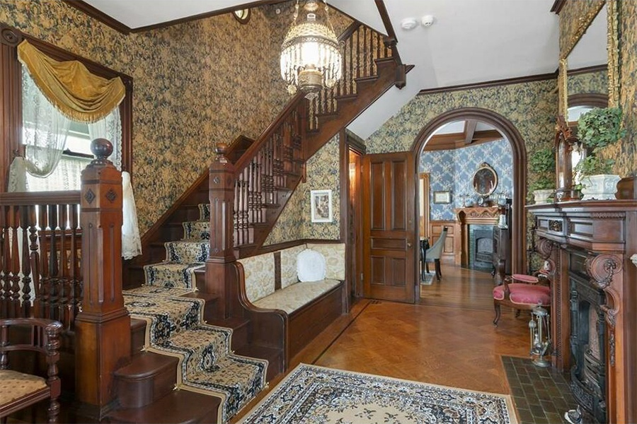 lizzie borden house entryway