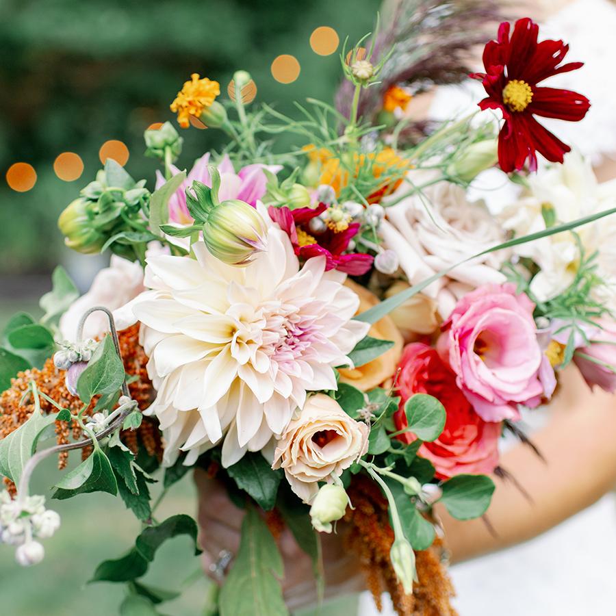 lauren-mike-bouquet