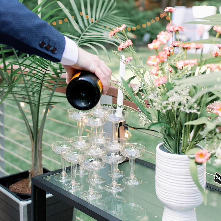 lauren-mike-champagne