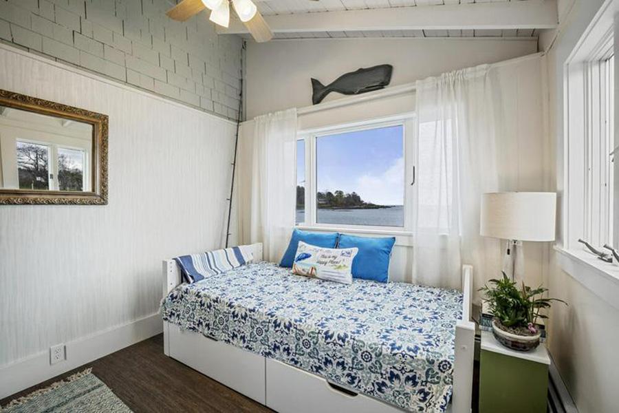 maine beach house 8