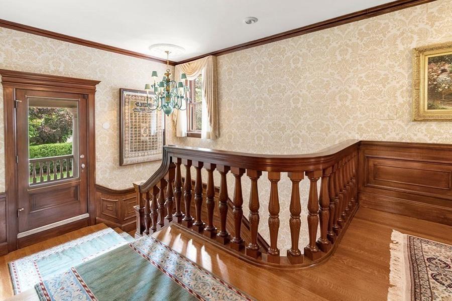 newton mansion 10