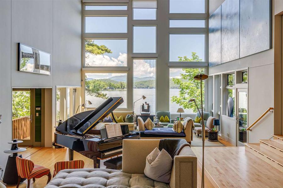 stunning lake house 2
