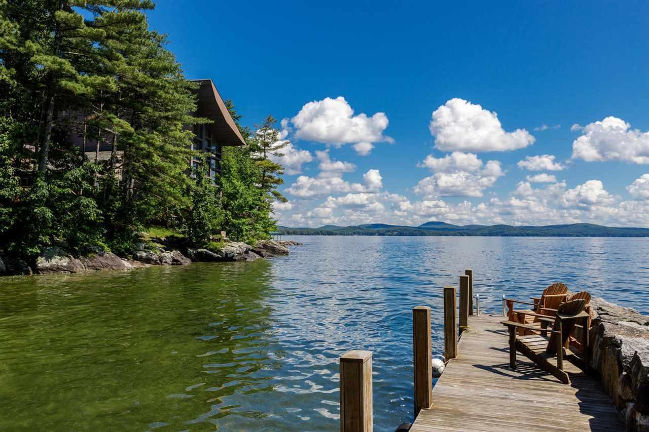 stunning lake house 4