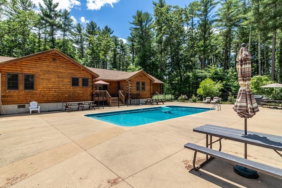 log cabin 3