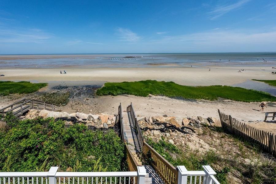 Brewster beach house 9