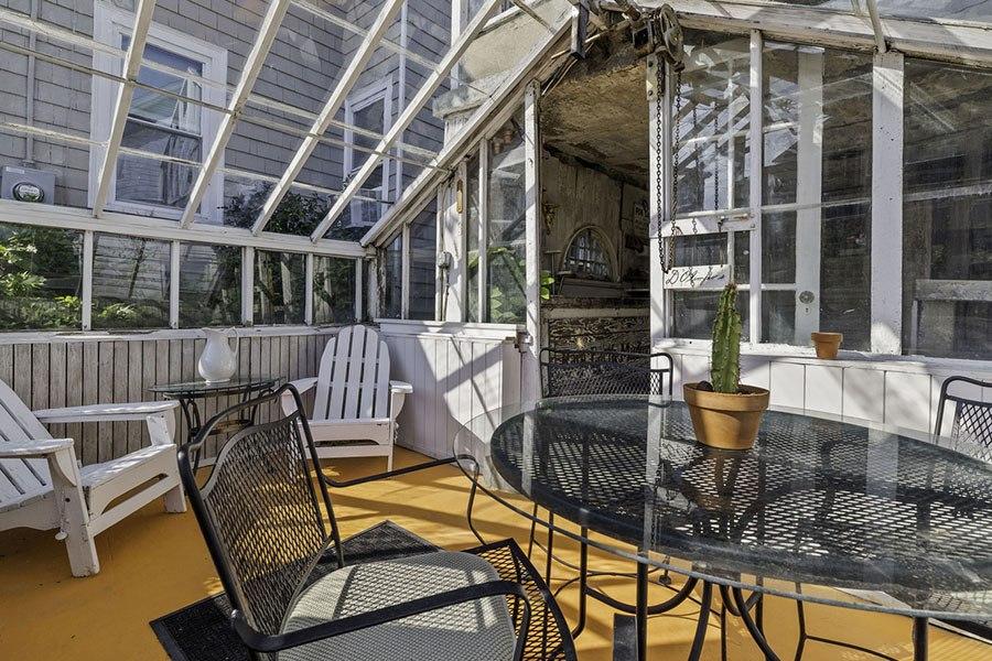 quincy greenhouse 10